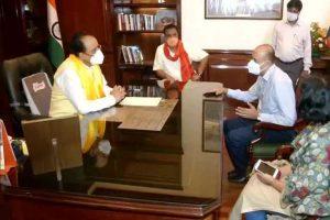 केंद्रीय रक्षा व पर्यटन राज्यमंत्री अजय भट्ट ने संभाला चार्ज