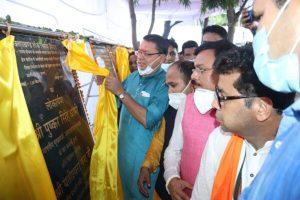 मुख्यमंत्री का खटीमा पहुंचने पर आम जनता ने किया जोरदार स्वागत, विभिन्न विकास कार्यो का किया लोकार्पण व शिलान्यास