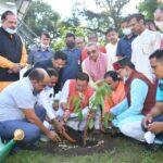 मुख्यमंत्री धामी ने प्रधानमंत्री के जन्म दिवस पर वृक्षारोपण कर, केदार व गंगात्री में चल रही पूजा अर्चना में किया प्रतिभाग